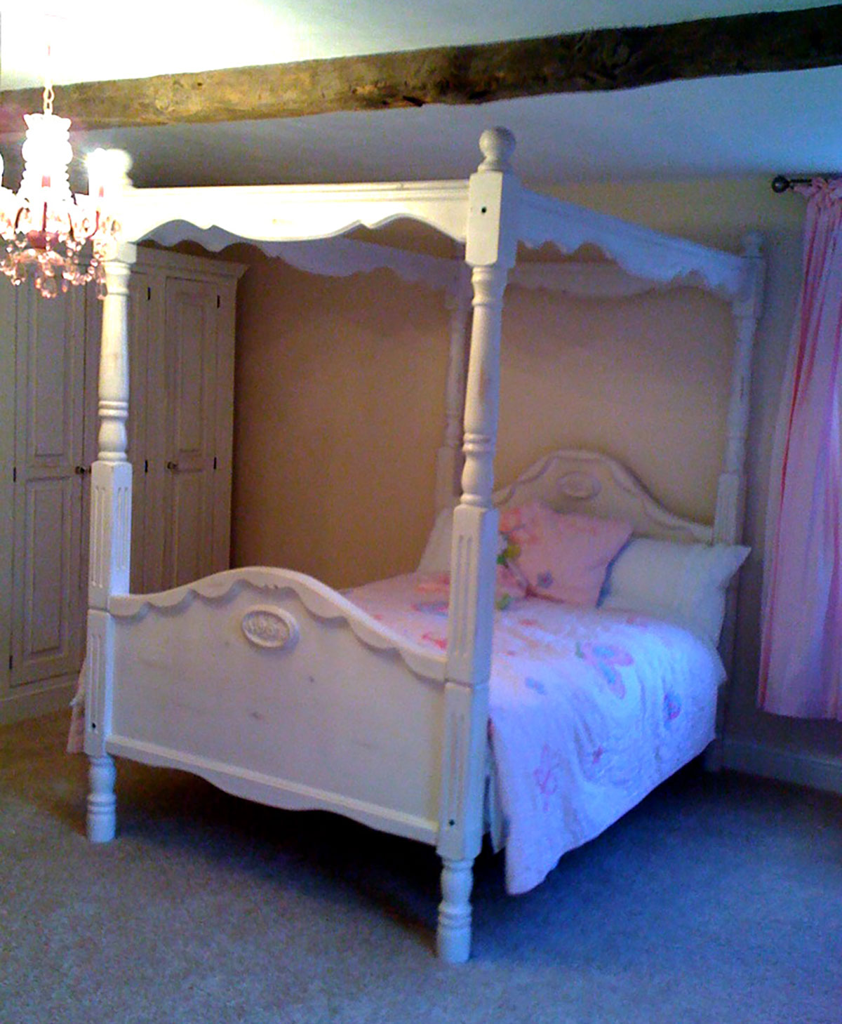 Distressed painted solid wood children 39 s bedroom furniture the norfolk carpenter Unfinished childrens bedroom furniture