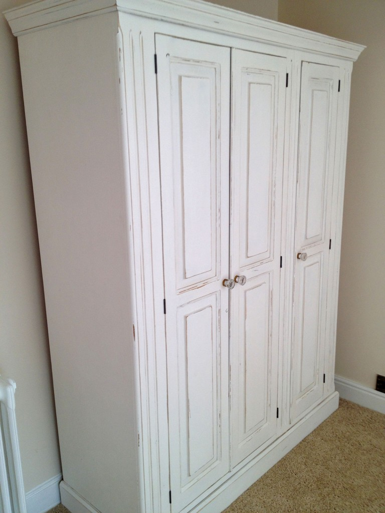 bespoke-painted-wardrobe-norfolk