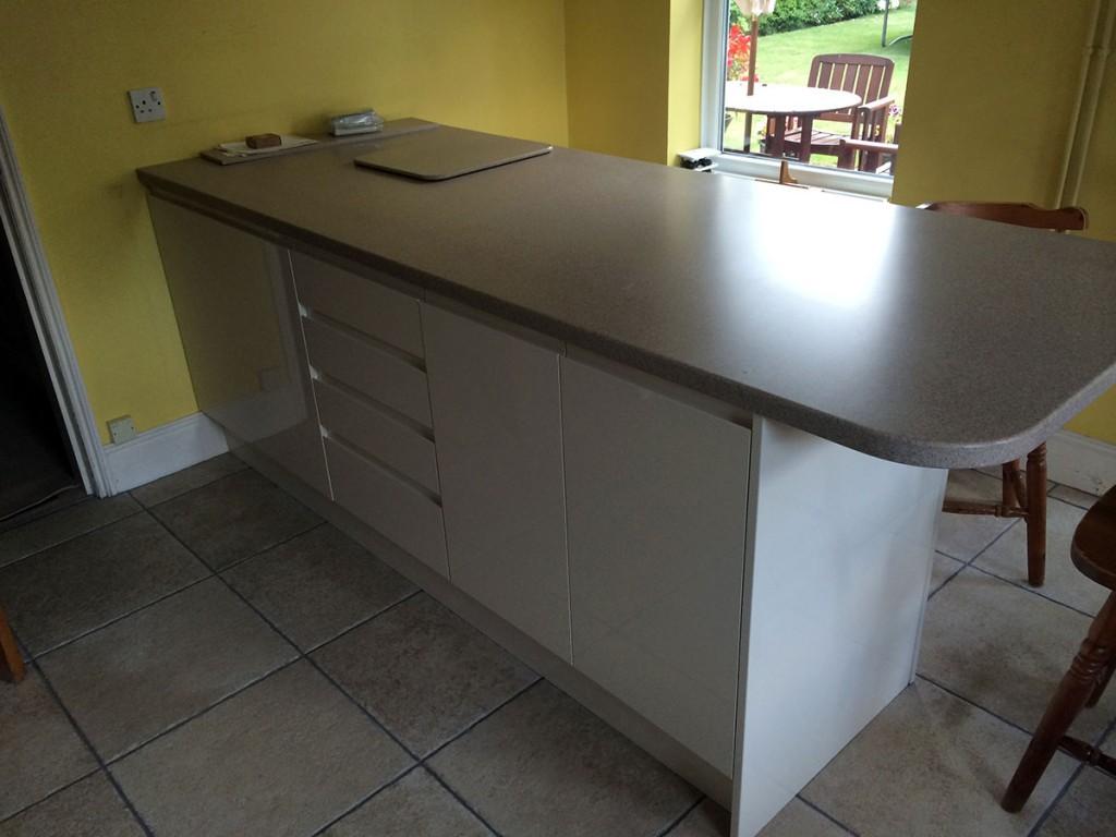 modern-kitchen-island-installation-norwich