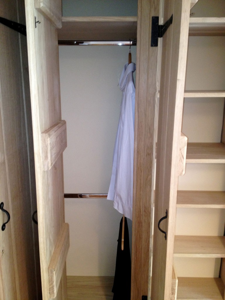custom-fitted-solid-wooden-wardrobes-design-norfolk