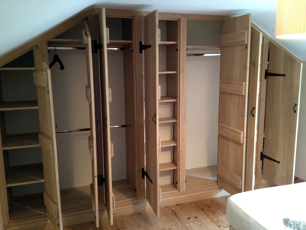 custom-solid-wooden-wardrobe-norfolk